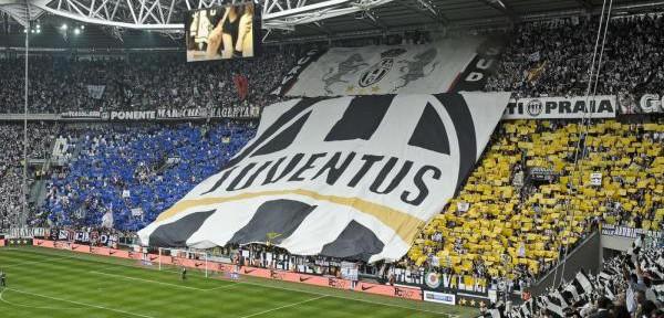 La-Juventus-da-5,5-milioni-di-euro-al-Napoli-per-Zuniga.jpg